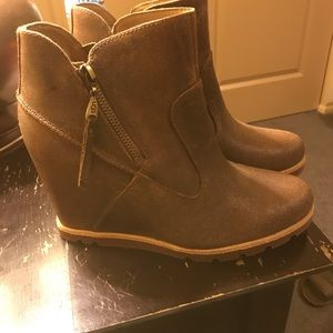 Ugg wedge boots with zippers on the inside and out